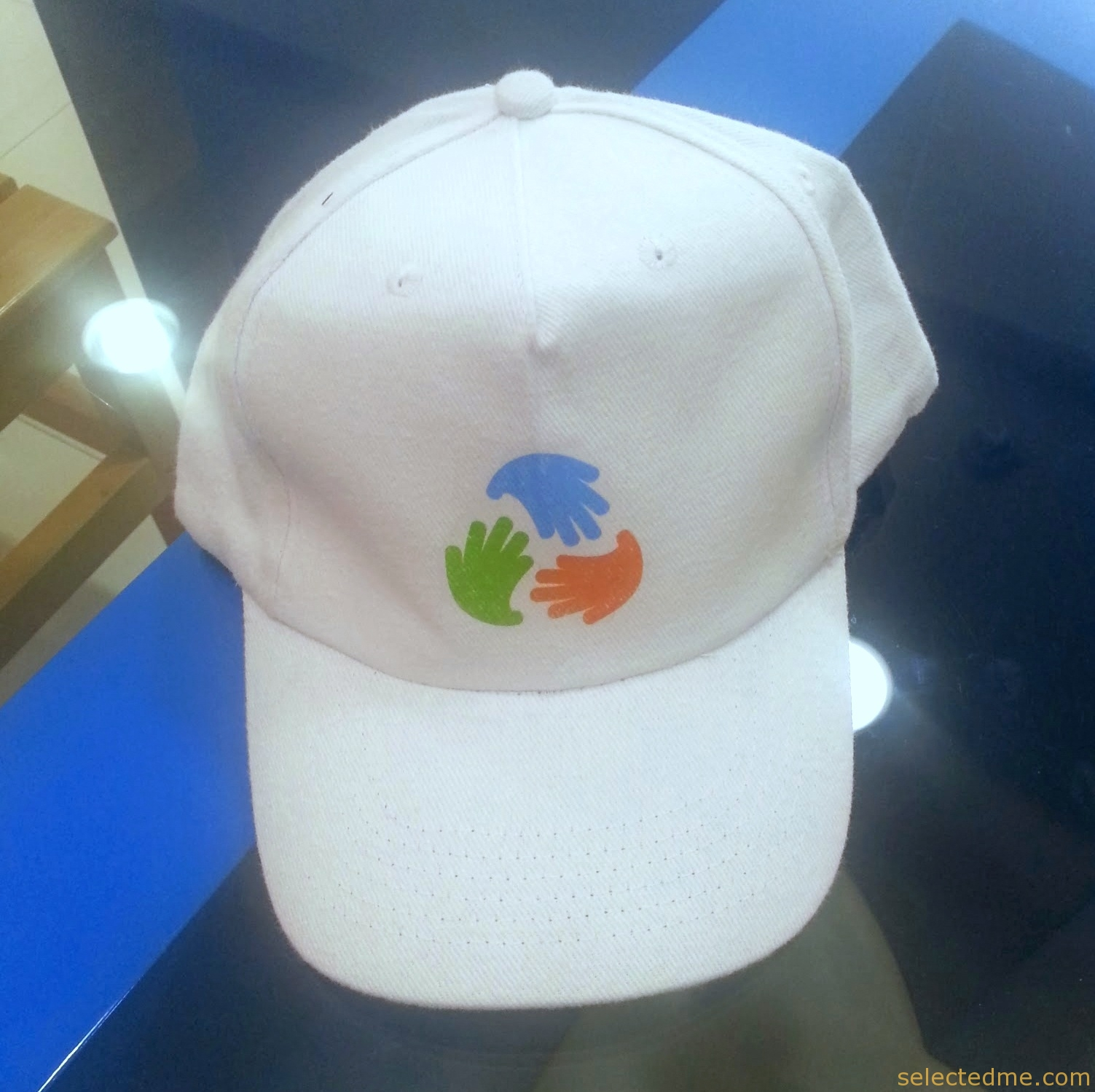 Cap with printing heat transfer sticker log print in Dubai UAE. Wholesale Hats.