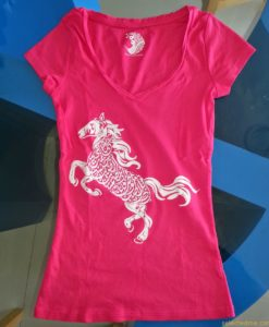 Women T-shirt with printing in Dubai UAE. Screen printing Dubai