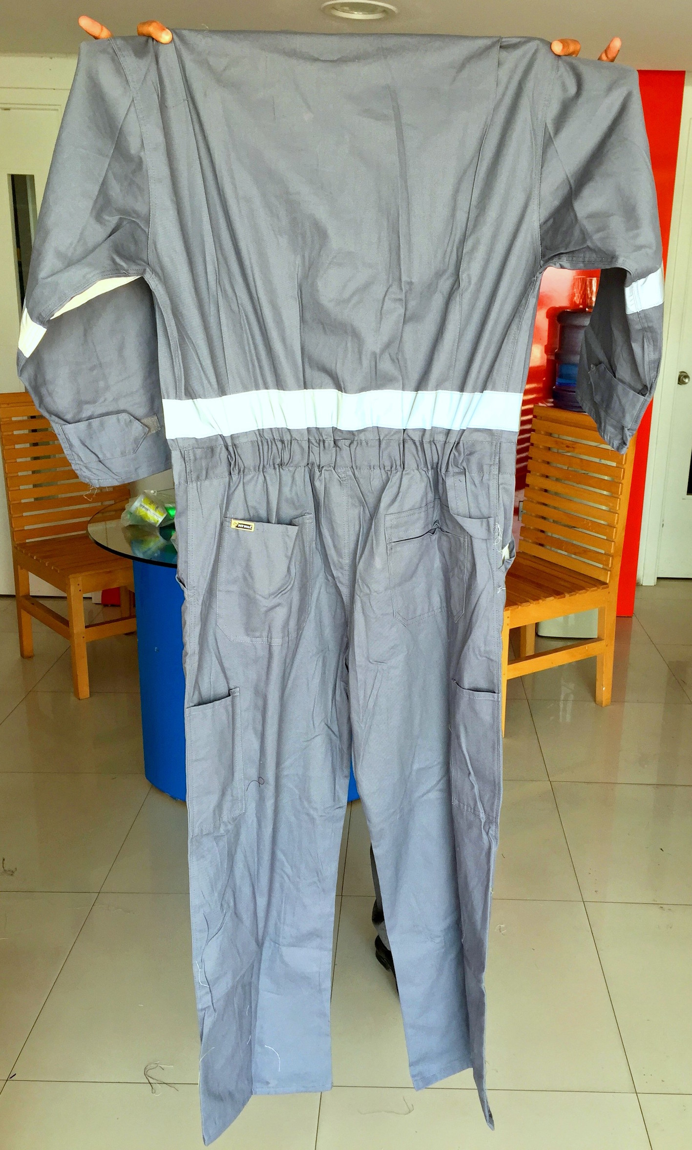 coveralls in Dubai UAE size with embroidery and embroidery with reflective tape